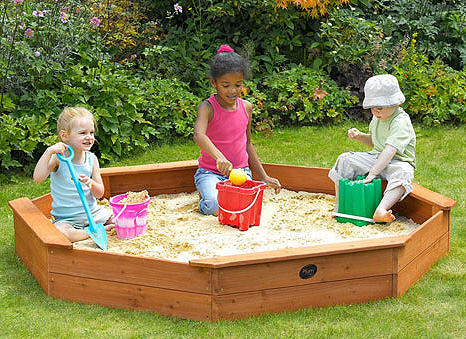 PLUM25058 giant wooden sand pit lifestyle2