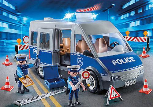 9236 PolicemanWVan