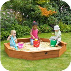 PLUM25058-giant_wooden_sand_pit_lifestyle2