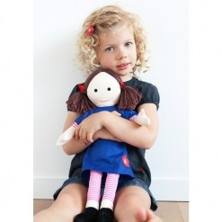 ap3007_jemima_cuddle_doll_lifestyle_2_lr